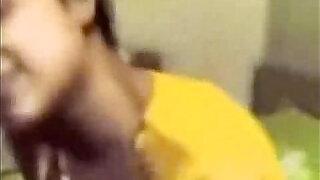 Pooja First lesbian Experience - 11:00