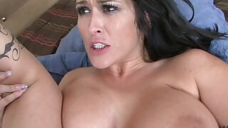 Bigboobs housewife squirting - 31:00