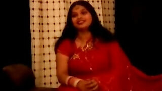 chubby fat indian aunty in red sari - 43:00