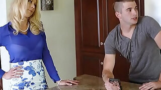 FamilyStrokes Son Gives Oral Sex Under The Covers - 12:00