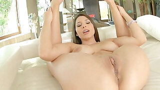 Givemepink Zafira uses toys on her sexy pussy lips - 13:00