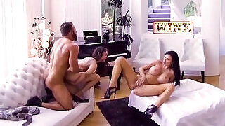 Hot Mom seduces her step sister to lick her pussy - 5:00