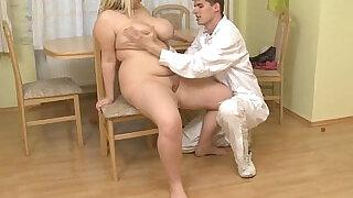 Doctor bangs his fat patient - 6:00