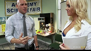 Sexy blonde Alexis Monroe fucks her teacher for a grade - 7:00