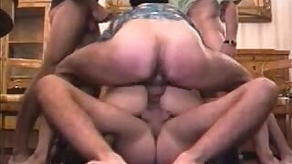 Amateur Gang Bang - 1:15